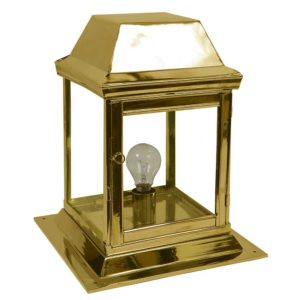 Strathmore small gate lantern by the limehouse lamp company